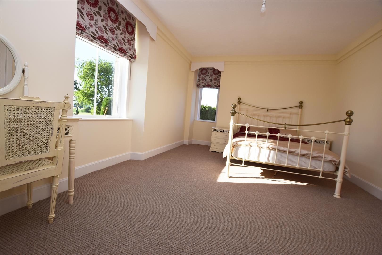 Denend Farmhouse, Newtyle, Blairgowrie, Angus, PH12 8SQ, UK